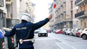 Vicenza, maltratta cane e picchia agente: denunciato