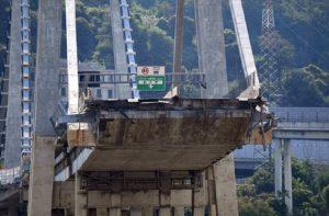 """Ponte Morandi, trovato reperto """"chiave"""": mostra stato di corrosione dei cavi di acciaio (foto Ansa)"""
