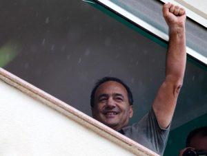 """Domenico Lucano, a Riace 4mila manifestanti: """"Siamo tutti clandestini"""""""