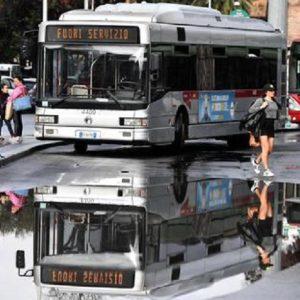 Roma: allerta meteo e scuole chiuse, ma non piove. Il paradosso: quando invece grandina...
