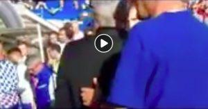 Sarri si è pulito il naso addosso a Mourinho: spunta VIDEO sui social