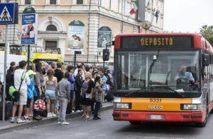 Sciopero trasporti 12 ottobre Roma: orari e fasce garantite (foto Ansa)