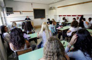 Napoli, scuole chiuse domani martedì 30 ottobre per il maltempo (foto Ansa)