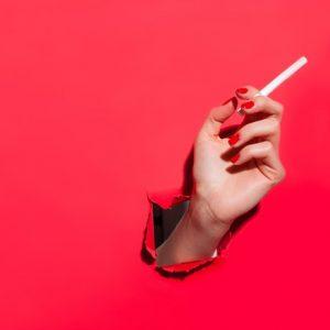 Reddito di cittadinanza, proibite le spese immorali. Occhio a sigarette, gratta&vinci...lo Stato ti guarda