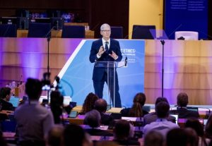 Tim Cook e la privacy: il monito di Apple sui dati personali