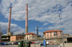 """Tirreno Power, archiviata l'indagine sulle morti sospette: """"Non dimostrato rapporto con emissioni centrale"""" (foto Ansa)"""