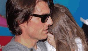 """Tom Cruise non vede la figlia Suri da anni. Il motivo: """"Non è di Scientology"""""""