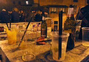 Monsano (Ancona), 17enne ubriaco dopo la discoteca stramazza al suolo: overdose di cocktail