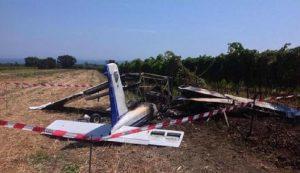 Nettuno, pilota perde il controllo dell'ultraleggero durante l'atterraggio e muore (foto d'archivio Ansa)