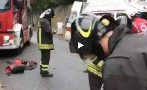 Varazze (Savona), auto nella scarpata: fermata da un albero. Pompieri salvano la conducente VIDEO