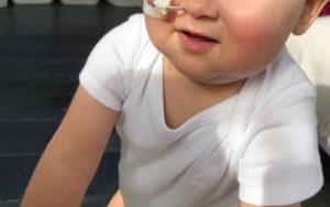 Il piccolo Alex è in Italia: a Roma si sottoporrà al trapianto di midollo dal papà