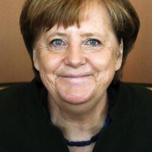 Angela Merkel si ritira: addio alla leader razionale che ha tenuto insieme l'Ue. Solo sui rifugiati...