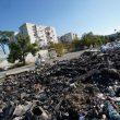 Emergenza rifiuti, a Torre del Greco bruciano i cumuli nella notte. E Di Maio e Salvini litigano...02
