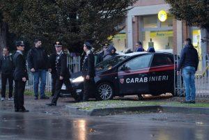 Pieve Modolena, Francesco Amato barricato in posta: carabinieri liberano gli ostaggi 9