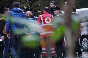 Pieve Modolena, Francesco Amato barricato in posta: carabinieri liberano gli ostaggi 7