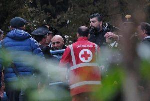 Pieve Modolena, Francesco Amato barricato in posta: carabinieri liberano gli ostaggi 5