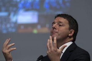 """Renzi a Di Battista: """"Mio padre non è più indagato, il tuo resta un fascista"""""""