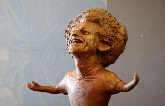Salah, una statua per il calciatore egiziano ma... è decisamente brutta (foto Ansa)