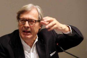 Vittorio Sgarbi: Meno studi, più hai possibilità di fare il ministro