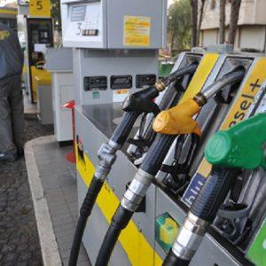 Iva e benzina: se va male in Manovra maxi aumenti dal 2020