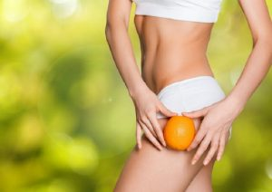 Trattamenti anticellulite per donne: metodi casalinghi e professionali per eliminare le bucce d'arancia