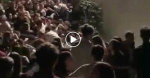 Corinaldo (Ancona), crollo balaustra. Scene di guerra: ragazzini nel fossato, ammassati e morti schiacciati