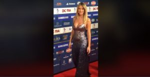 Diletta Leotta al Gran Galà del Calcio: abito a sirena con profonda scollatura