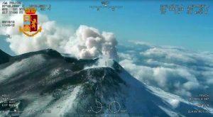 Etna eruzione 26 dicembre, allarme Ingv: altre bocche si possono aprire più in basso