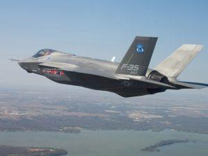 """M5s riabilta gli F-35, Angelo Tofalo (Difesa): """"Non possiamo rinunciarci"""""""