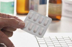 Farmaci, le Regioni rimborseranno solo quelli meno costosi