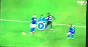 Inter-Napoli, VIDEO: Insigne prende a calci Keita e viene espulso