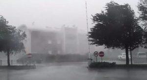 Maltempo, la Protezione Civile: in arrivo forti venti di burrasca da Nord a Sud (foto Ansa)