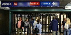 Roma, metro Laurentina ed Eur Fermi chiuse per una fuga di gas