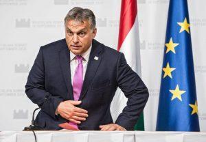 Viktor Orban il sovranista regala al popolo orario di lavoro 10 ore al giorno