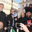 """Manovra, Pd in piazza davanti alla Camera. """"Salvini-Di Maio autisti ubriachi"""" 04"""