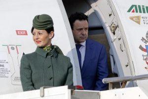 Pensioni piloti e hostess, tassa nascosta: i 5 euro in più su ogni biglietto aereo