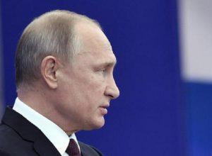 """Putin dichiara guerra al rap: """"Se è impossibile fermarlo, allora dobbiamo controllarlo"""" (foto Ansa)"""