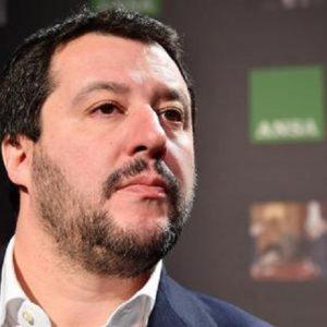 """Salvini Giudice Supremo. """"Io dichiaro: gente perbene"""". Anche se uscita di galera"""