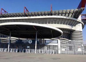 Tifoso Inter morto fuori dallo stadio, investito da furgone dei tifosi del Napoli