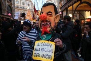 Milano, tensioni alla Prima della Scala: proteste contro Salvini