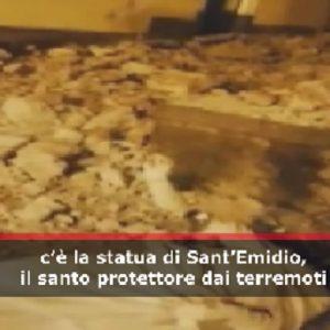 Pennisi: statua Sant'Emidio, protettore dei terremotati crolla a causa del terremoto di magnitudo 4,8 VIDEO