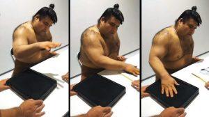 Takayasu Akira, ecco come firma gli autografi un vero lottatore di sumo VIDEO