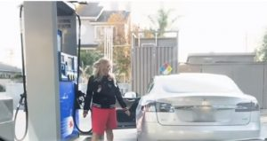 Benzina auto elettrica