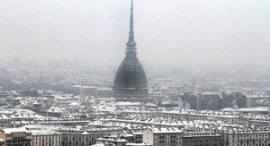 Torino, pioggia mista a neve: sono i primi fiocchi della stagione1