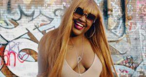 """Cupcakke, la rapper scrive su Twitter: """"Sto per suicidarmi"""". Salvata dalla polizia (foto da YouTube)"""