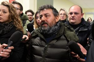 Alessio Feniello multato per fiori tomba figlio Rigopiano: Disgustato