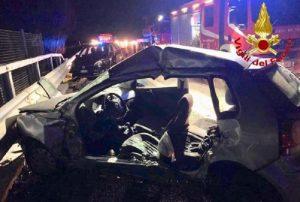 Branco di cinghiali causa incidente sull'A1 vicino Lodi: un morto e 11 feriti
