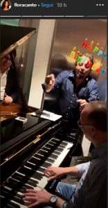 Anna Tatangelo, Gigi D'Alessio e Brignano cantano insieme al suo compleanno