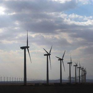"""Rinnovabili, l'ex ministro Clò: """"600 miliardi per eliminare petrolio, metano e carbone dalle centrali elettriche"""""""