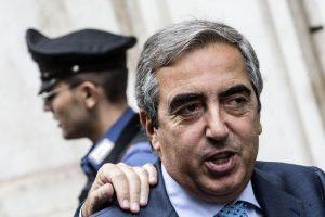 Gasparri su decreto sicurezza: Sindaci applichino legge o dimissioni